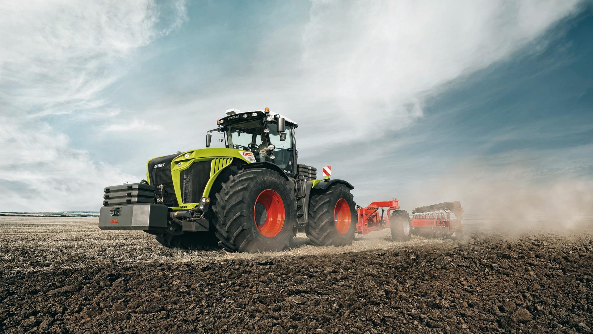 Сельхозтехника в поле картинки